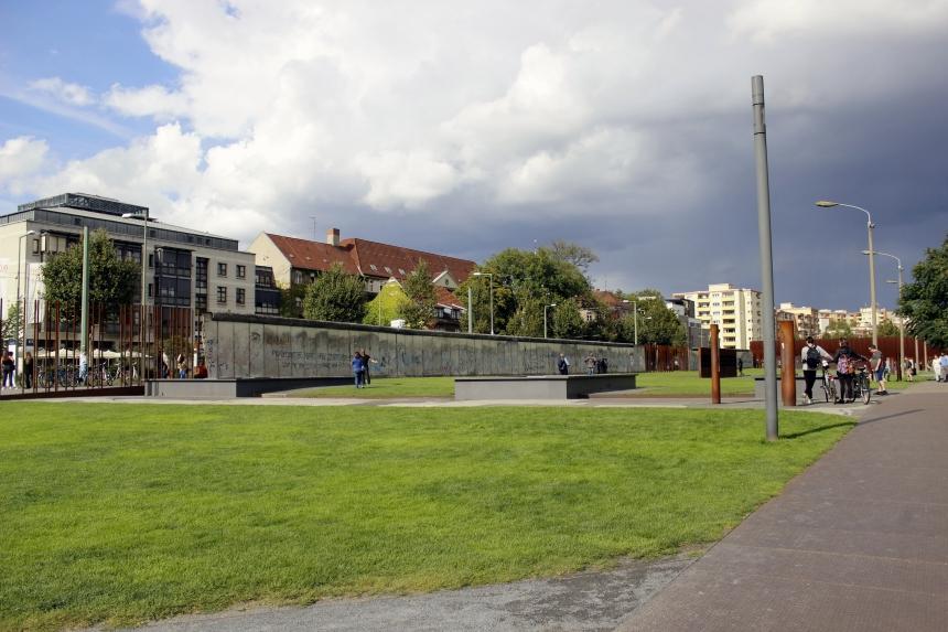 Berlin-memorial-muro